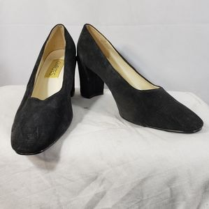 Charlies Carrie Black Suede Pumps Size 10M
